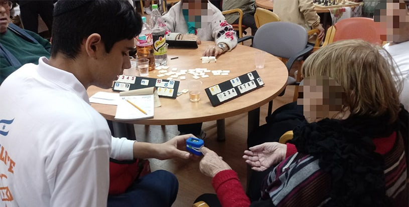 AMIT Sderot students help keep local seniors healthy