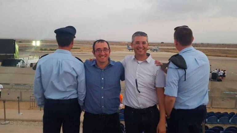 AMIT graduate earns pilot's wings after completing course taught by another AMIT alum