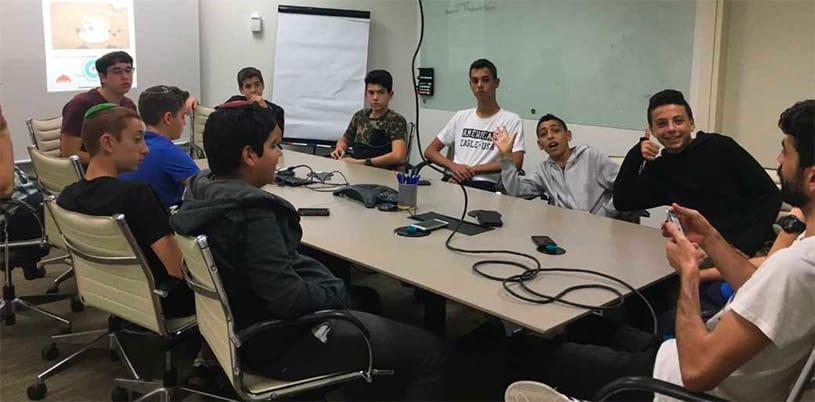 "AMIT entrepreneurs get ""charged up"" at visit to Powermat"